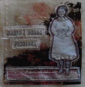 Maria della Passione- foto d'epoca, tarlatana, carte decorate, ricamo