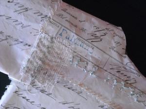 camicino-lettere antiche, tarlatana. ricamo, rammendo